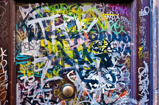 messy_graffiti_tags