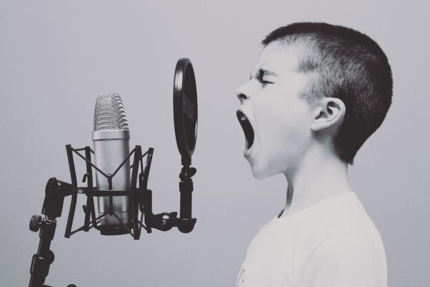 boy_singing